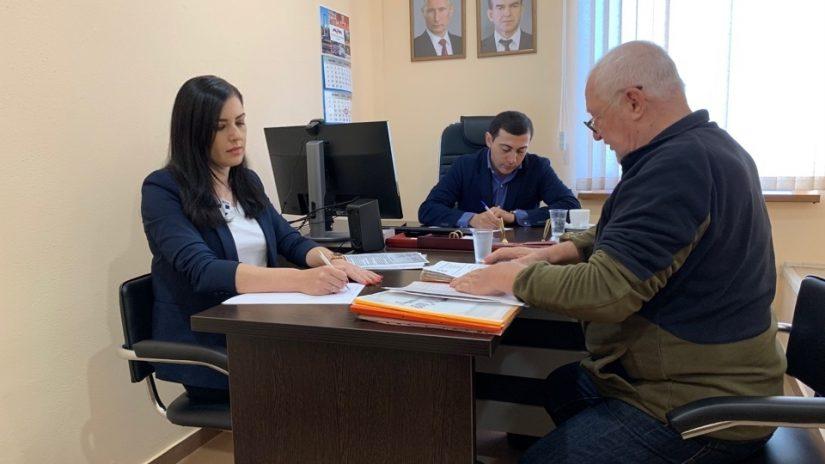 Депутат Городского Собрания Сочи Владимир Торосян провел плановый прием граждан.