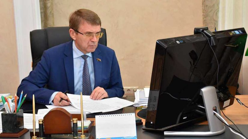 В.П. Филонов обсудил с председателями комитетов и территориальных групп вопросы предстоящей сессии