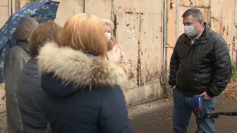 Жители Хосты поблагодарили депутата Владимира Елединова за помощь в организации освещения на заброшенной турбазе