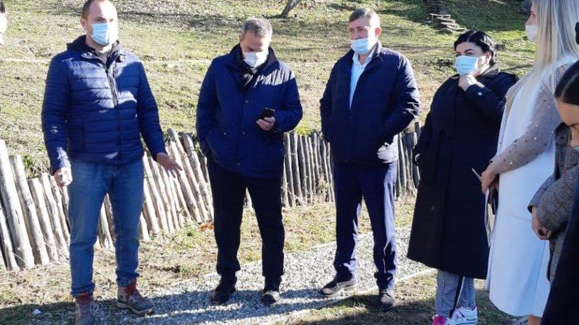 Депутаты помогают ТОСам в благоустройстве территорий