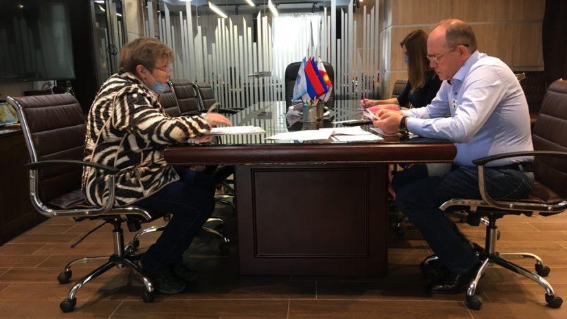 Помощь детям депутата Эдуарда Обуховича