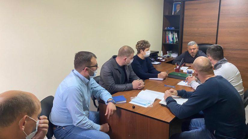 По итогам приемов граждан депутат С. Мартиросян провел рабочую встречу с 4 представителями УК