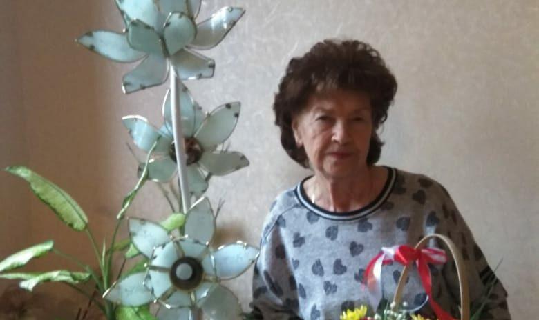 Виктор Филонов поздравил Почетного гражданина Лазаревского района Людмилу Ставровскую с днем рождения