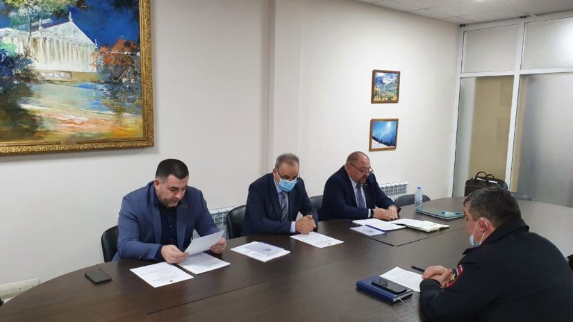 Олег Фатеев провел заседание профильного комитета по делам казачества