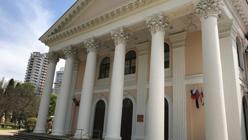 Темур Эйнатов провел комитет по финансово-бюджетной, налоговой и экономической политике и стратегическому развитию