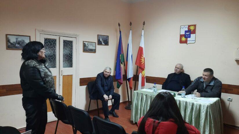 Прием граждан депутатами Александром Захаровым и Владимиром Елединовым