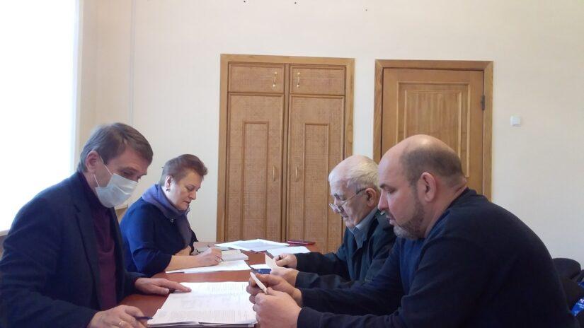 Виктор Филонов и Павел Афанасьев  провели в мкр. Лазаревское плановый прием граждан
