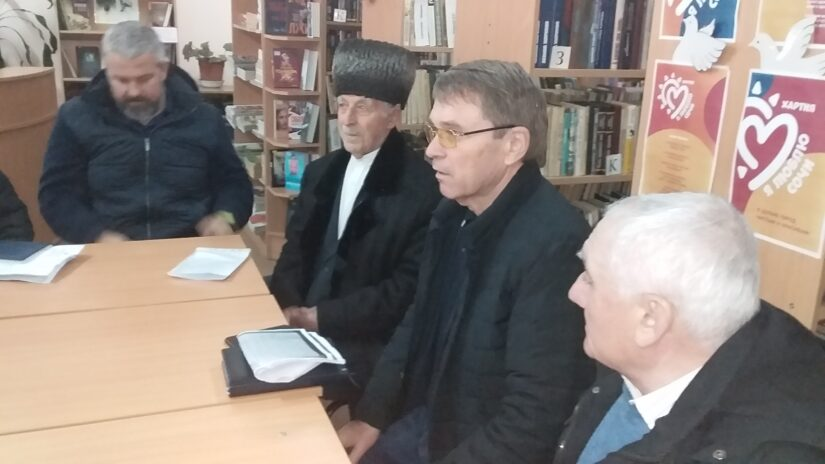 Виктор Филонов, Павел Афанасьев и Александр Бурляев  обсудили актуальные проблемы мкр. Шхафит