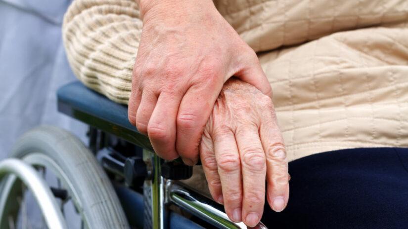 Благодарность за работу депутатов от Общества инвалидов