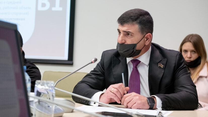 Депутат Емзари Кавтарадзе принял участие в круглом столе в Сириусе