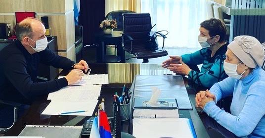 Депутат Эдуард Обухович провел очередной приём граждан по личным вопросам