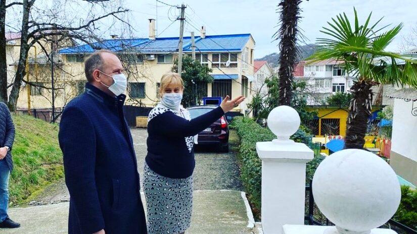 Благодаря поддержке депутатов Новосочинского округа № 13 в детском саду № 23 заменят кровлю