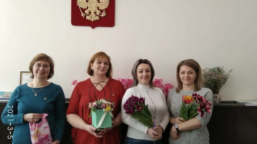 Поздравления депутатов Городского Собрания с Международным женским днем