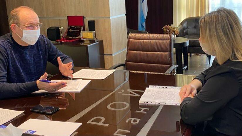 Депутат Эдуард Обухович провел очередной прием граждан