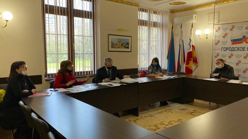 В Городском Собрании Сочи состоялся плановый приём граждан депутатом Романом Кирюшиным.