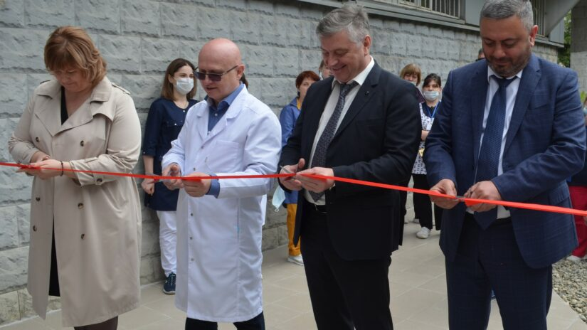 Сос Мартиросян построил новый блок компьютерной томографии в Сочи
