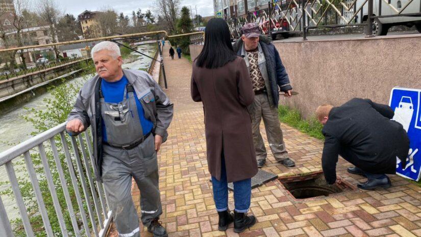 Работа в округе: Депутат Эдуард Обухович помог решить проблему на Мамайке