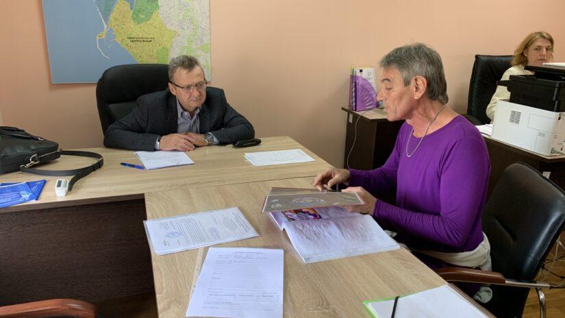 Депутат Городского Собрания Сочи Геннадий Глазырин провел очередной прием граждан