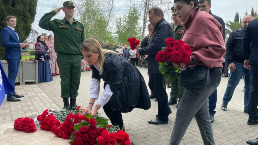 Депутаты тергруппы Адлерского района приняли участие в акции памяти, посвященной годовщине аварии на Чернобыльской АЭС