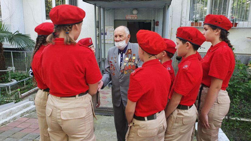В Дагомысе поздравили ветеранов и организовали в честь них праздничный концерт.