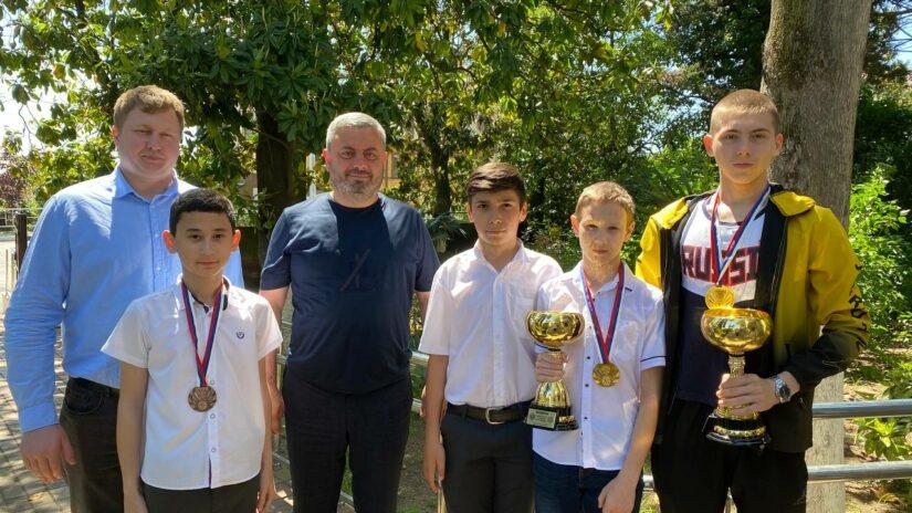 Сос Мартиросян поддерживает детско-юношеский спорт
