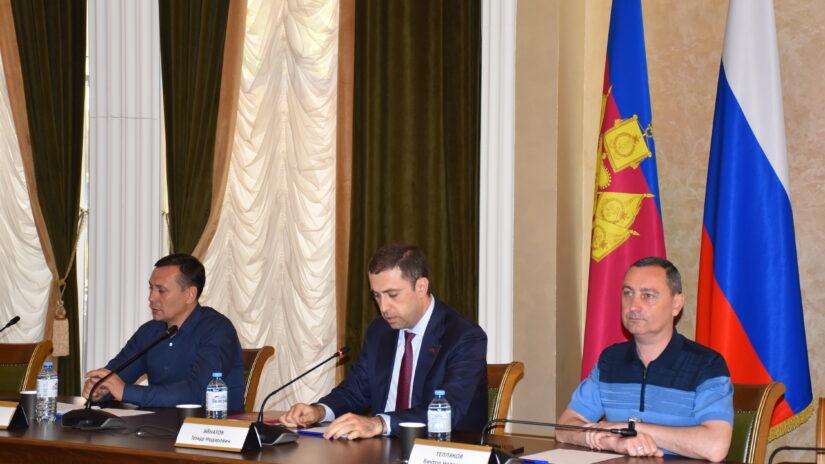 Первое рабочее совещание по улучшению дорожно-транспортной ситуации в Сочи прошло в Городском Собрании
