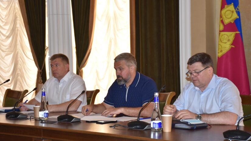 Комитет по вопросам предпринимательства инвестиций, информатизации и связи, потребительского рынка прошел в Городском Собрании