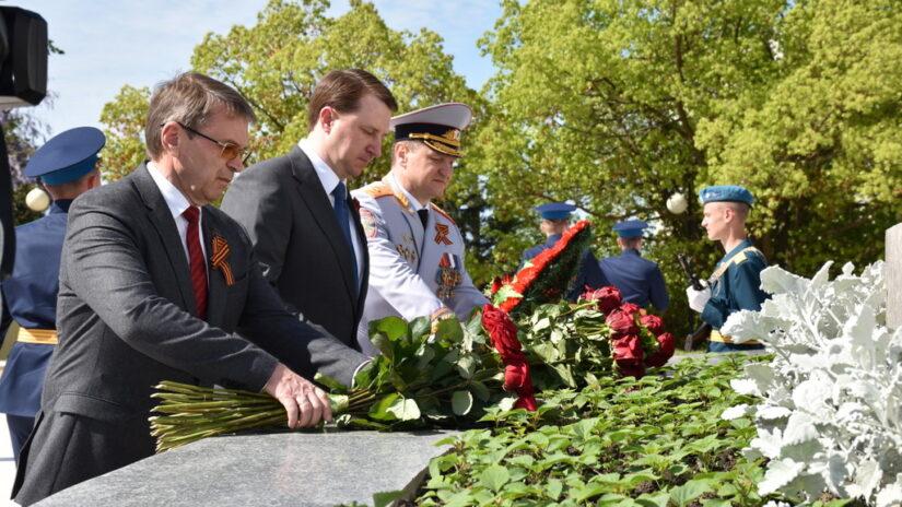 Глава города Алексей Копайгородский открыл мемориал военным врачам «Подвиг во имя жизни» после реконструкции
