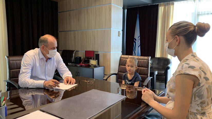 Депутат ГСС Эдуард Обухович провел очередной прием граждан по личным вопросам Новосочинского избирательного округа № 13