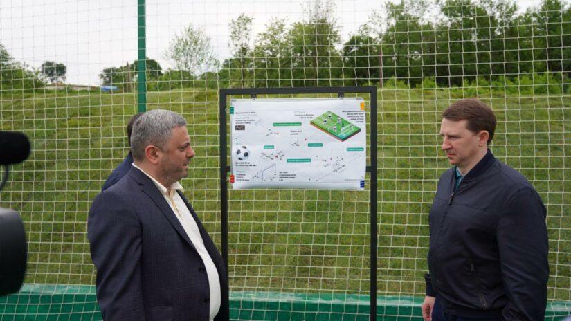 Сос Мартиросян построил новое футбольное поле в селе Нижняя Шиловка