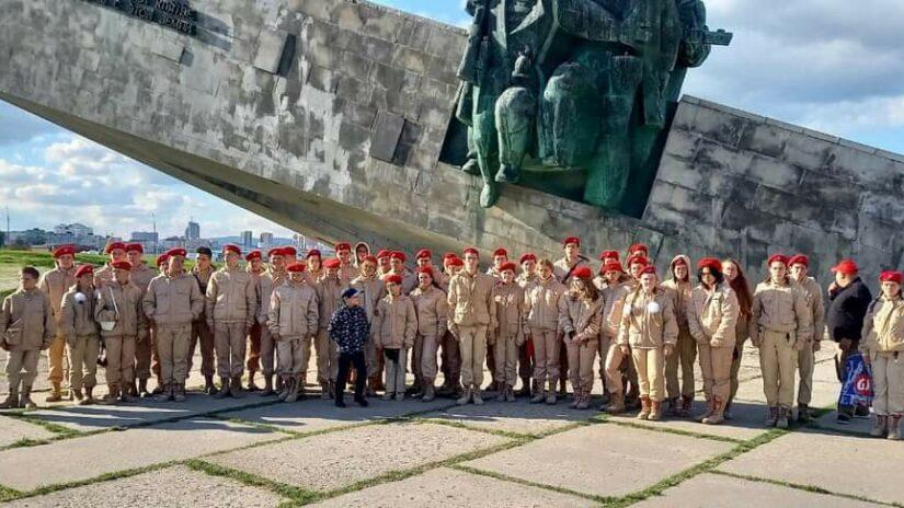 Депутат Сергей Эксузян оказал содействие в организации поездки воспитанников юнармейских отрядов на парад Победы в Керчь