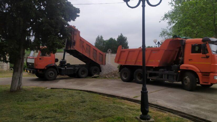 Эдуард Обухович оказал помощь в ремонте школы-интерната № 2