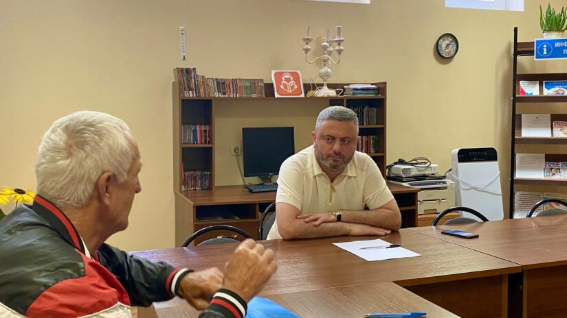 Сос Мартиросян провел прием граждан в микрорайоне Блиново
