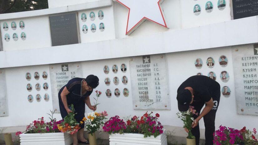 Благоустройство Памятного знака павшим в годы Великой Отечественной войны в селе Сергей Поле