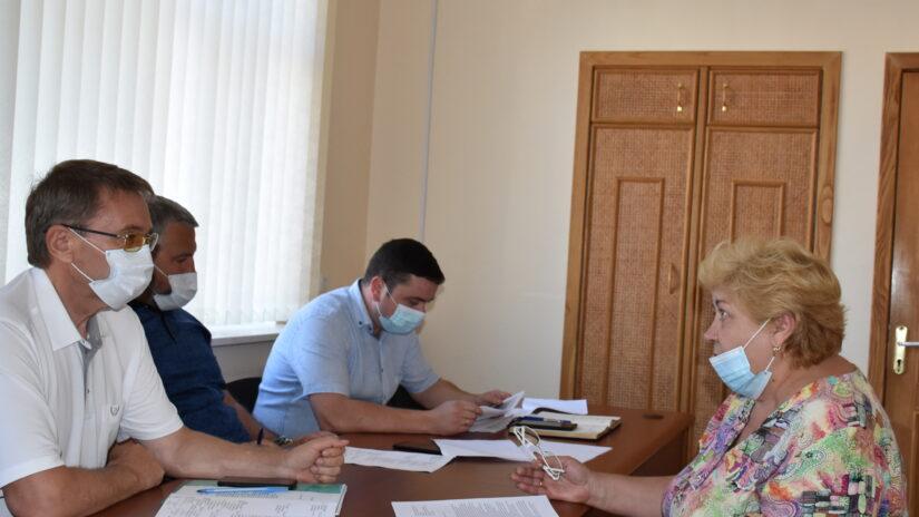 Депутаты избирательного округа № 16 «Лазаревский» провели прием граждан по личным вопросам