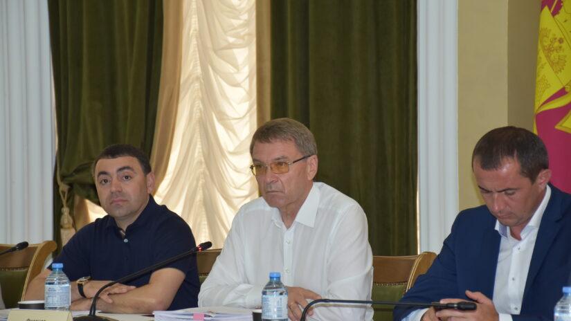 Депутатская комиссия рассмотрела внесение изменений в Правила землепользования и застройки