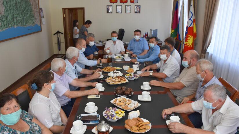 Депутаты избирательного округа «Лазаревский» встретились с представителями ТОС