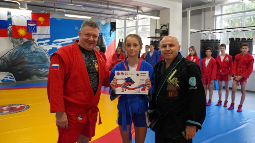 Владимир Елединов принял участие в традиционной семейно-спортивной «Самбониаде» и наградил медалями участников мероприятия