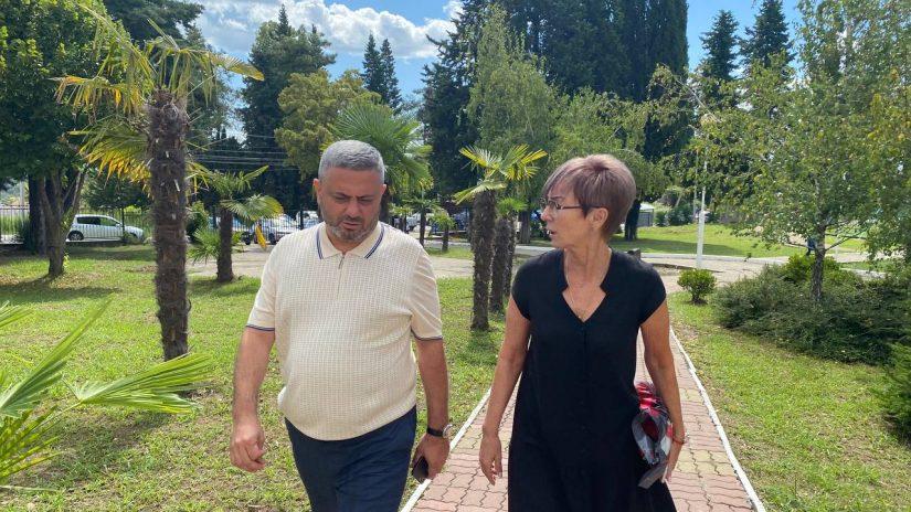 Сос Мартиросян провел выездной прием граждан избирательного округа