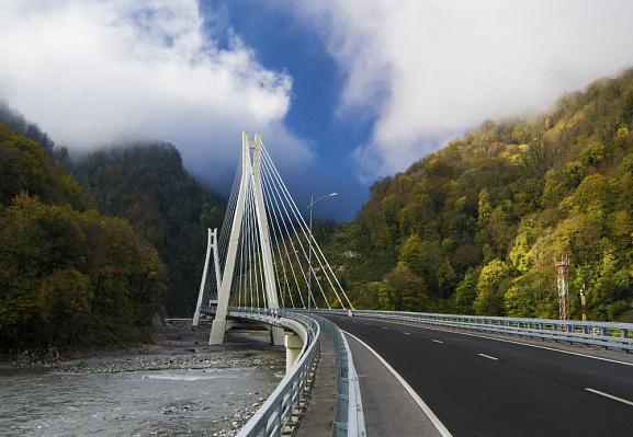 В Сочи в тестовом режиме на двух участках трасс, ведущих в Красную Поляну, вводится одностороннее движение